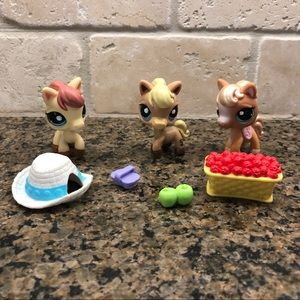 Lot of Lps Littlest Pet Shop Horses & Accessories
